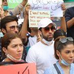 KARACHI: Leading actress of Pakistani showbiz industry Mahira Khan has become a part of the campaign against violence and sexual harassment against women.